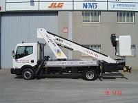 Venta de camión cesta de 18 metros